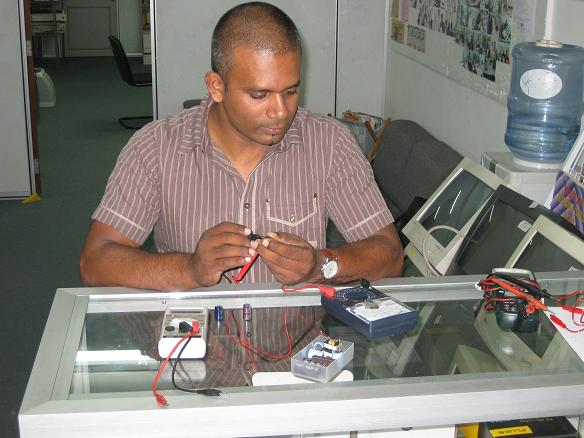 testing capacitor