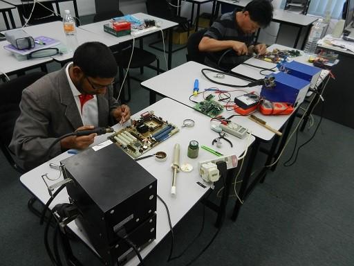 electronics repairing courses