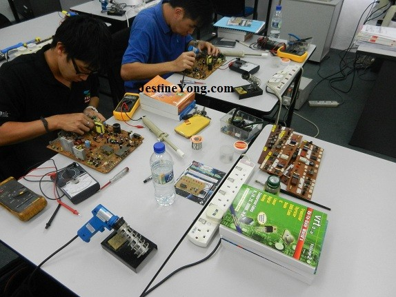 electronic repair course