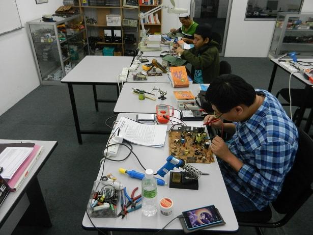 kursus sepenuh masa elektronik