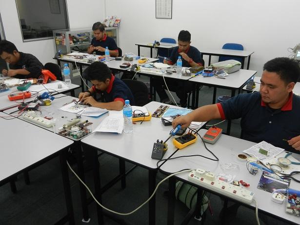 kursus membaiki alat elektrik