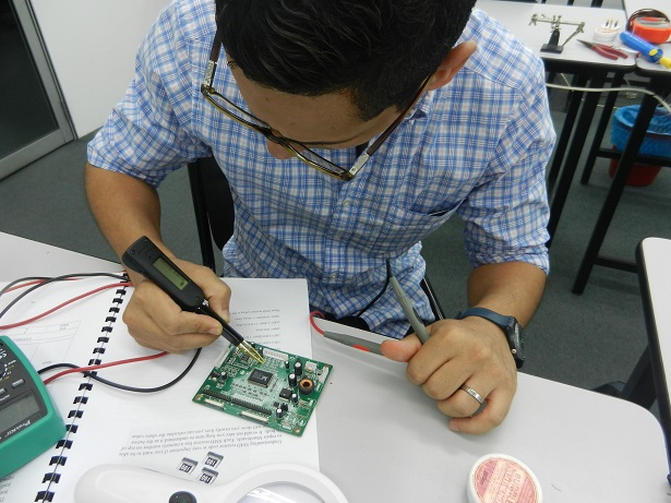 repair industrial circuit board