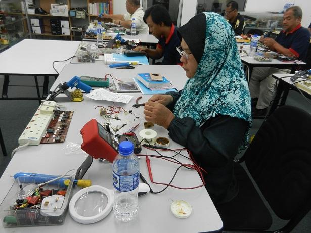 kursus membaiki peralatan elektrik
