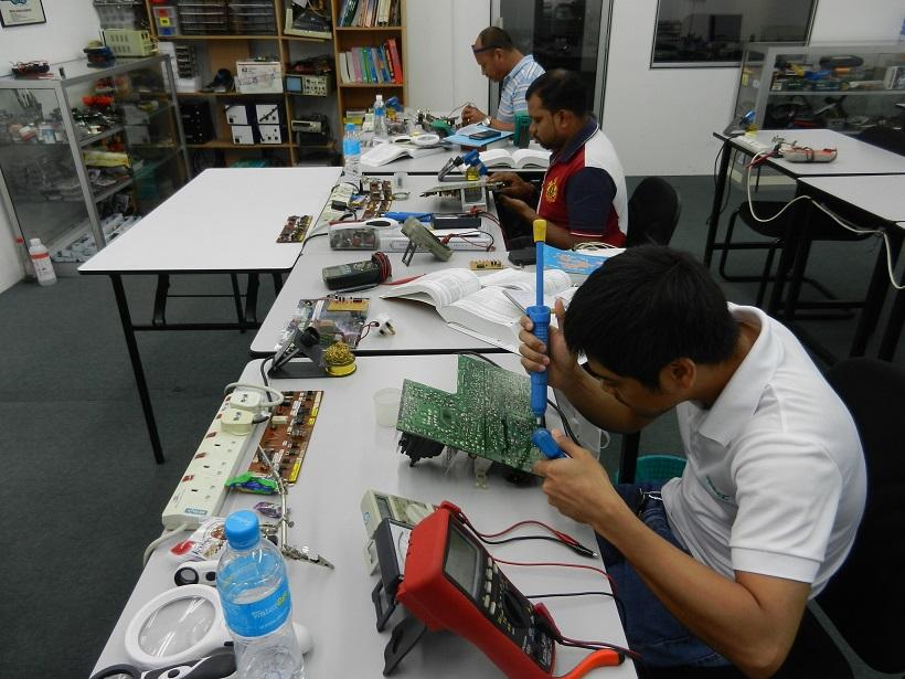 electronic repair trainings