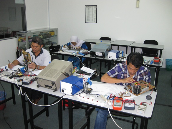 electronics repair course